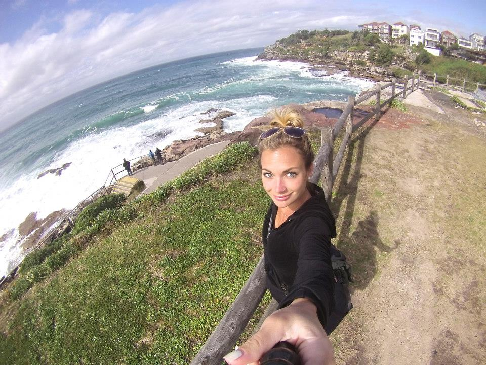10 Tips for Taking a Solo Travel Selfie