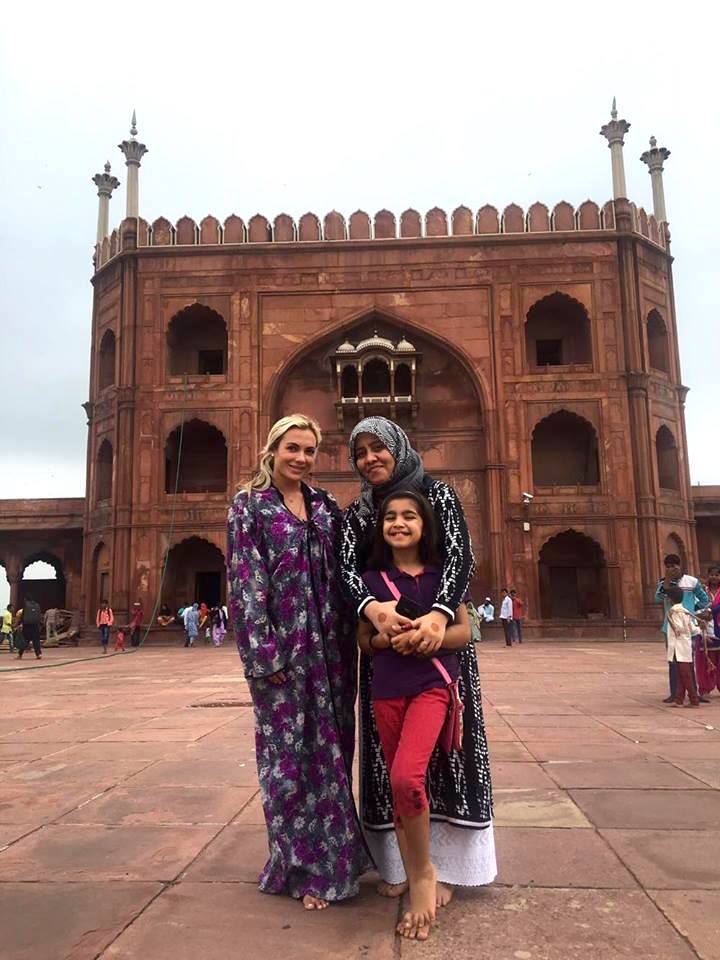 Posing with a Pakistani woman and her daughter who asked to take a photo with me at the Jama Masjid