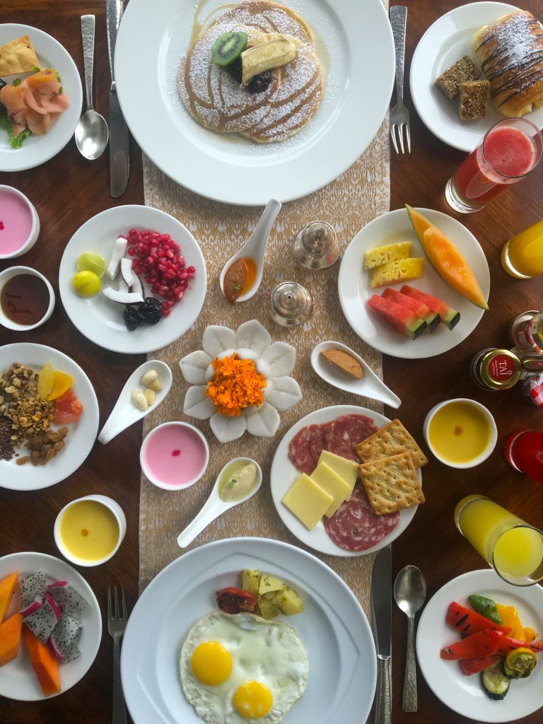How to Stay Fit While Traveling breakfast mylifesamovie.com