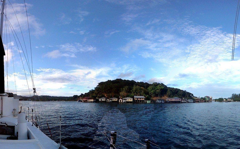 Hello, Honduras! 10 Things to do in Roatán Bay