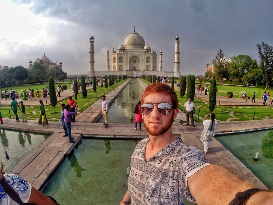 Even in this epic token solo shot of the Taj Mahal, you can still see all of the tourists doing the same thing in the background