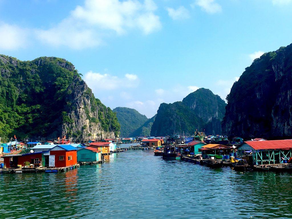 Fisherman's Village halong bay mylifesamovie.com