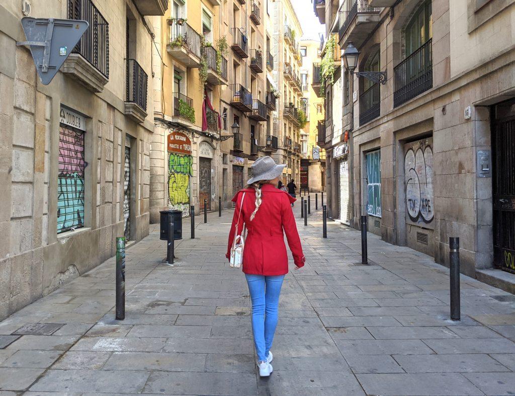 ruas vazias no bairro gótico
