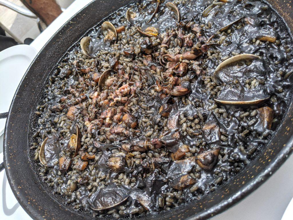 arroz negro paella preta